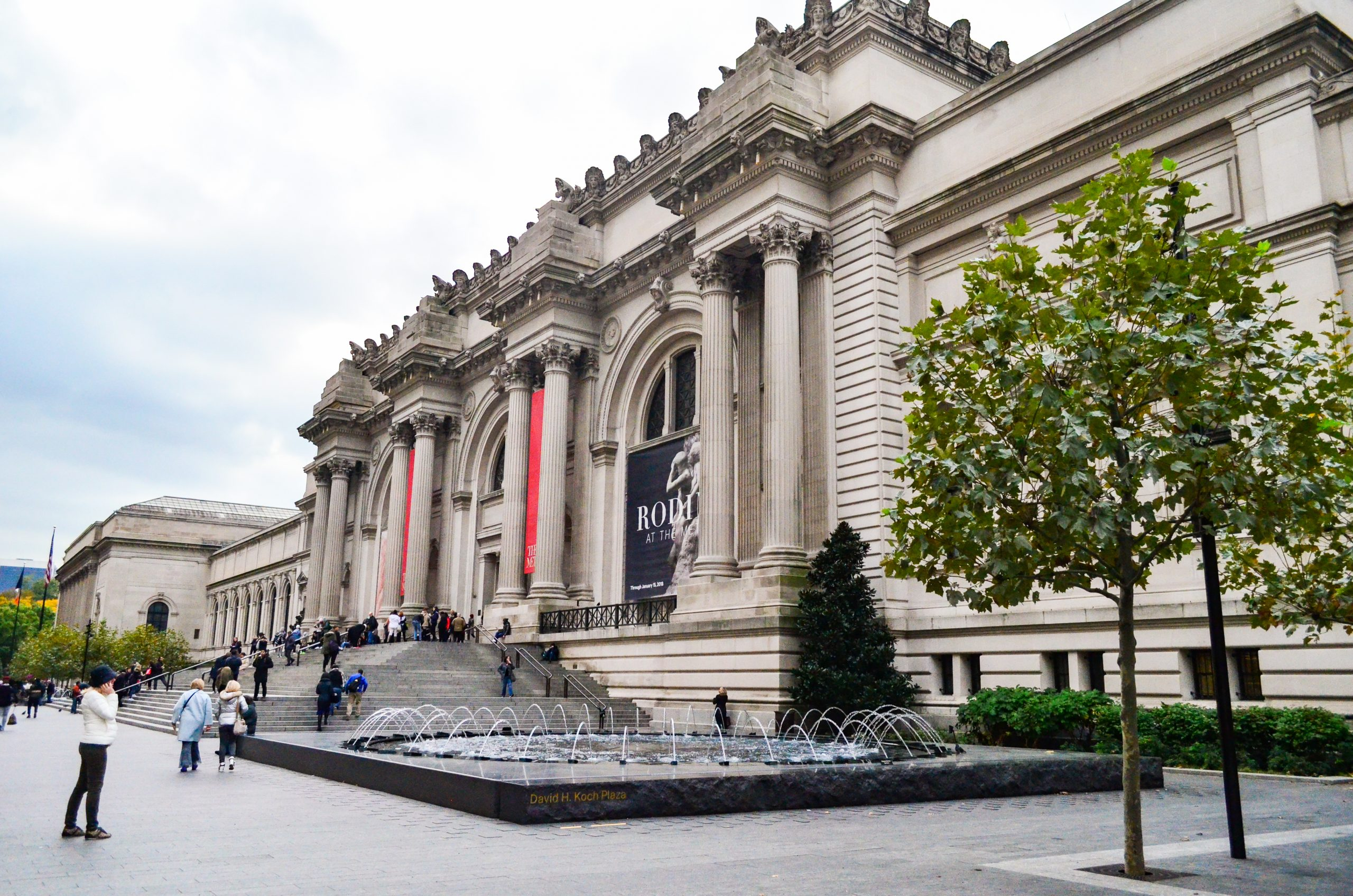 The Metropolitan Museum of Art. Visitng a Museum is must do new york and top things to do in nyc
