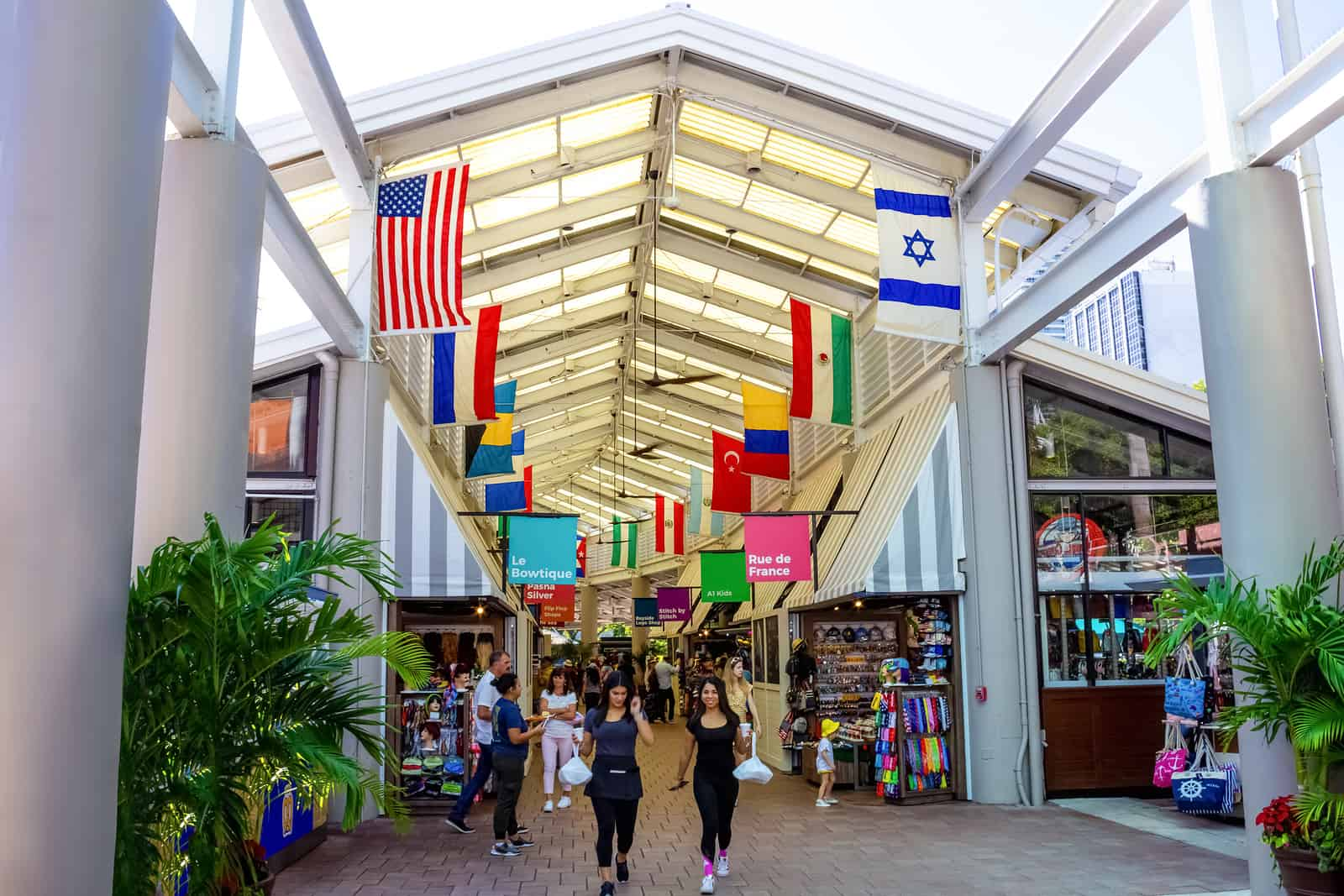 The shops at Bayside Marketplace is one of a miami attractions