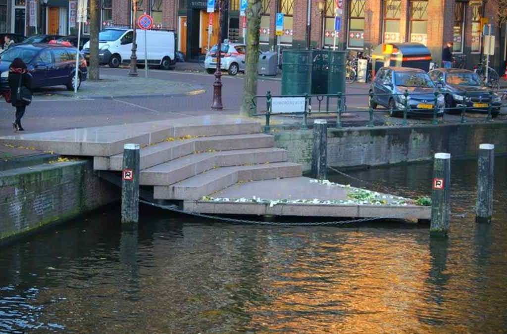 The Homomonument is one of the best places in amsterdam to commemorate WWII, what to do amsterdam